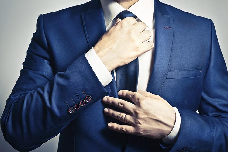 Tuxedo: How to Tie a Tie